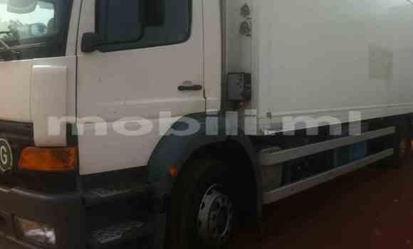 Acheter Voiture Mercedes-Benz 190 Blanc à Bamako en Mali