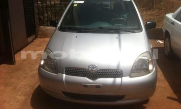 Acheter Voiture Toyota Yaris Gris à Bamako en Mali