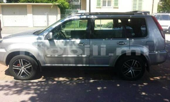 Acheter Voiture Nissan X-Trail Noir à Bamako en Mali