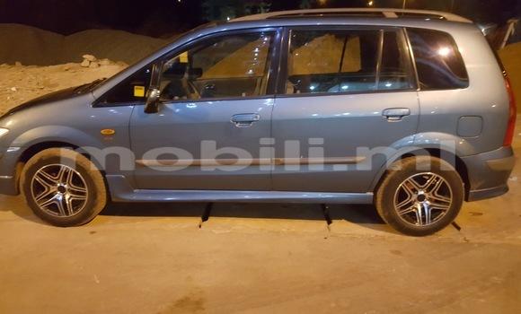 Acheter Voiture Mazda 323 Bleu à Bamako en Mali