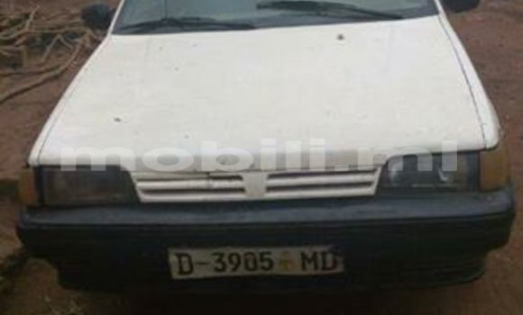 Acheter Voiture Nissan Sunny Blanc à Bamako en Mali