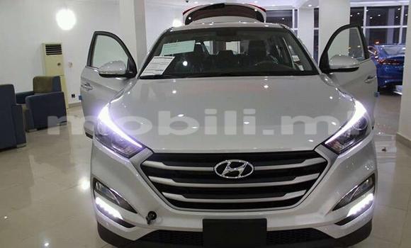 Acheter Voiture Hyundai Santa Fe Blanc à Bamako en Mali
