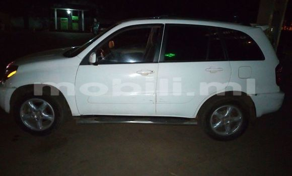 Acheter Voiture Toyota RAV4 Blanc à Bamako en Mali