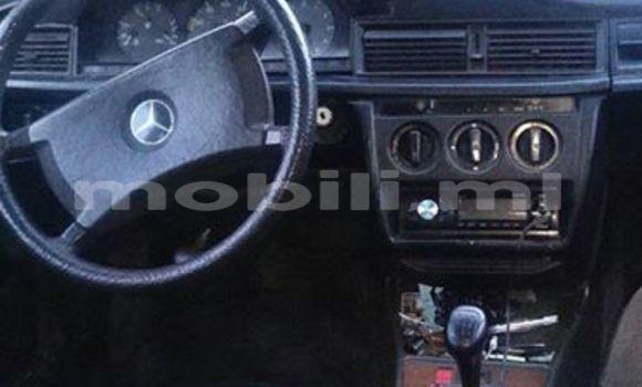 Acheter Voiture Mercedes-Benz 190 Noir à Bamako en Mali