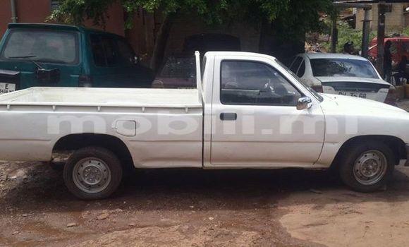 Acheter Voiture Toyota Hilux Blanc à Bamako en Mali